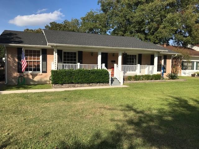 2909 Lavita Lane, Farmers Branch, TX 75234 (MLS #13964505) :: The Heyl Group at Keller Williams