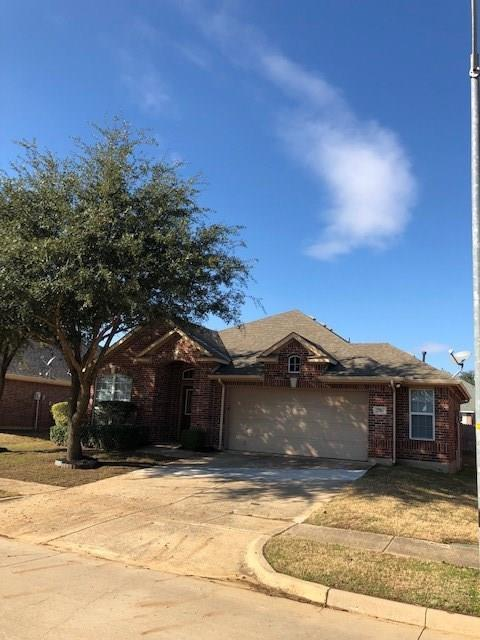 2784 Sunvalley Drive, Grand Prairie, TX 75052 (MLS #13977234) :: RE/MAX Landmark