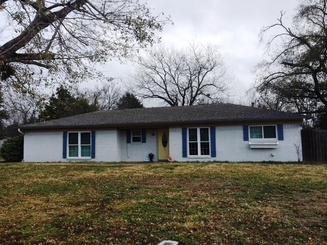 464 Davis Street, Fairfield, TX 75840 (MLS #13989233) :: Kimberly Davis & Associates