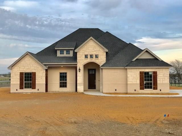 101 Lone Star Way, Godley, TX 76044 (MLS #14039830) :: RE/MAX Town & Country