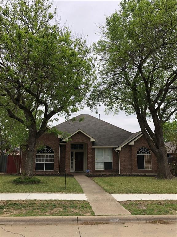 2146 Lavaca Trail, Carrollton, TX 75010 (MLS #14050315) :: RE/MAX Landmark