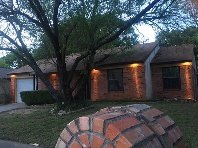 6735 Woodhill Road, Dallas, TX 75217 (MLS #14050353) :: Baldree Home Team