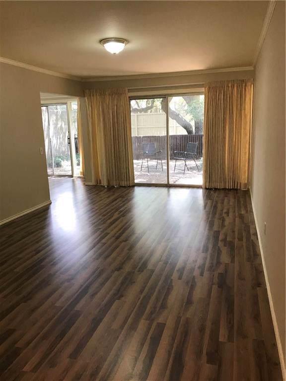 1808 Socorro Lane, Irving, TX 75061 (MLS #14065405) :: Lynn Wilson with Keller Williams DFW/Southlake