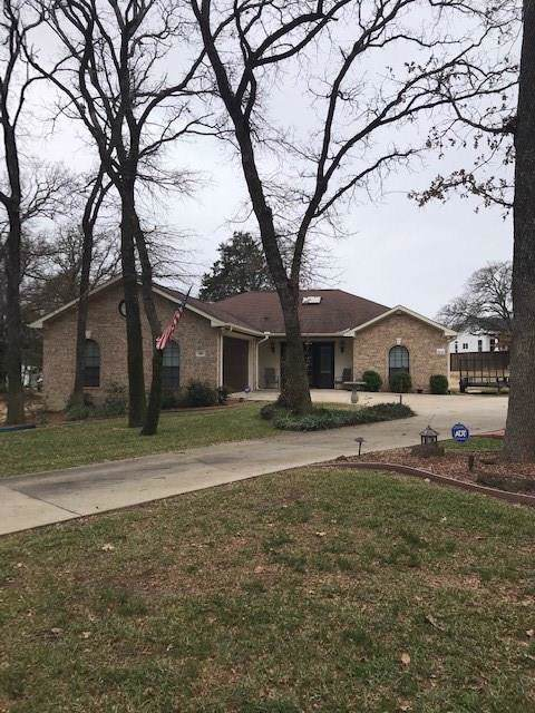 108 Comanche Drive, Lake Kiowa, TX 76240 (MLS #14122235) :: The Kimberly Davis Group