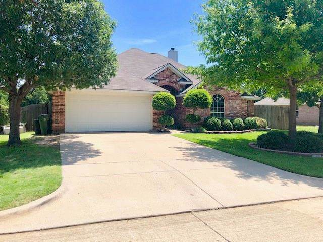 220 Blossom Lane, Hurst, TX 76053 (MLS #14140508) :: RE/MAX Town & Country
