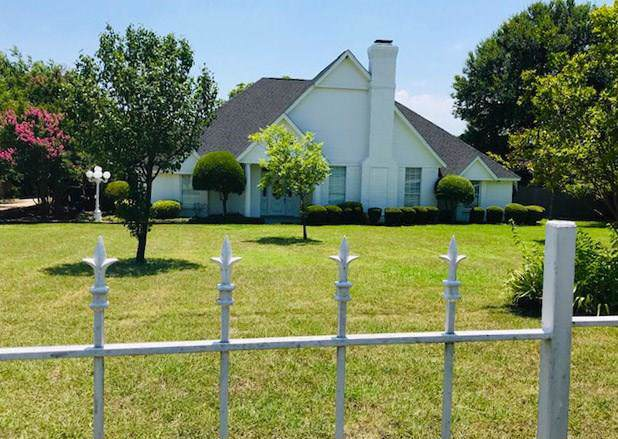 1120 N Cedar Hill Road, Cedar Hill, TX 75104 (MLS #14176884) :: The Heyl Group at Keller Williams