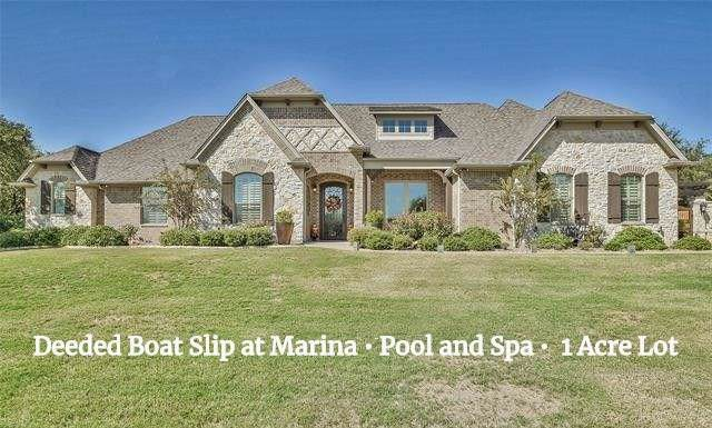 1918 Green Wing Drive, Granbury, TX 76049 (MLS #14212674) :: RE/MAX Town & Country
