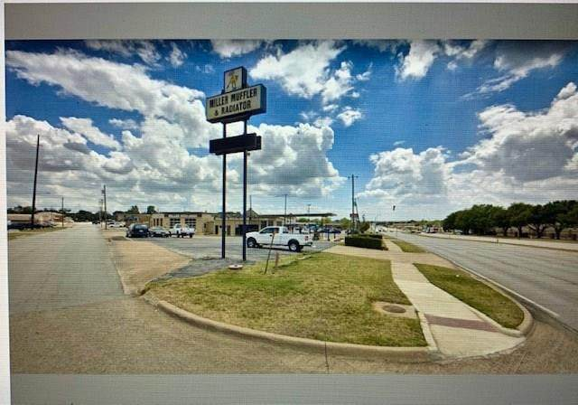 301 W Euless Boulevard, Euless, TX 76040 (MLS #14320667) :: Potts Realty Group