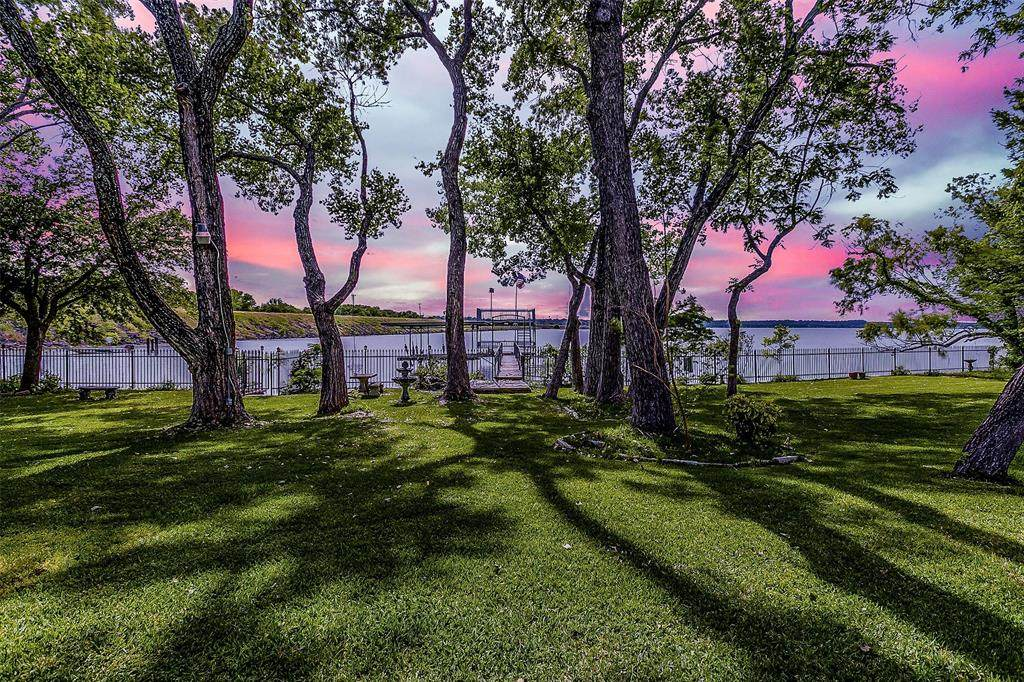703 Lake Drive - Photo 1