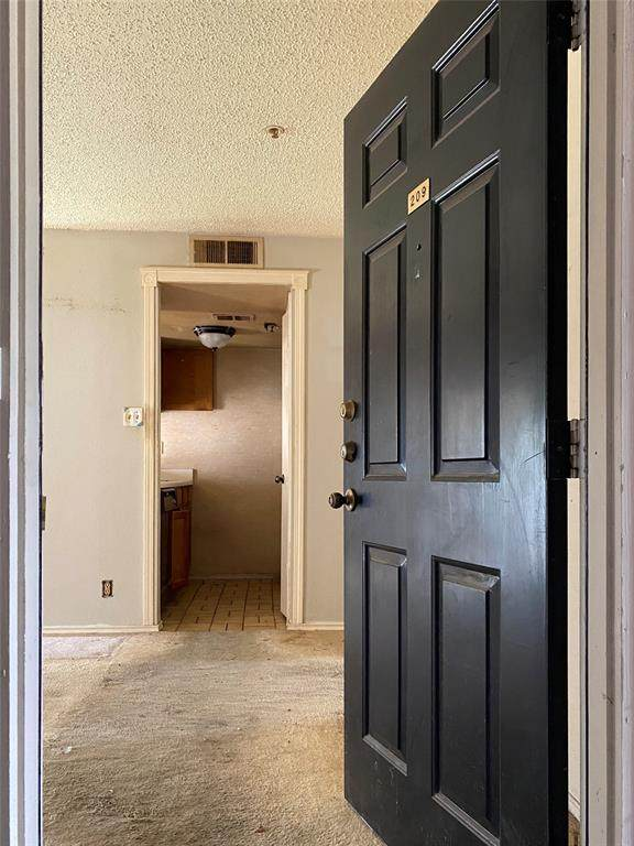 1727 Bennett Avenue #209, Dallas, TX 75206 (MLS #14342322) :: RE/MAX Pinnacle Group REALTORS