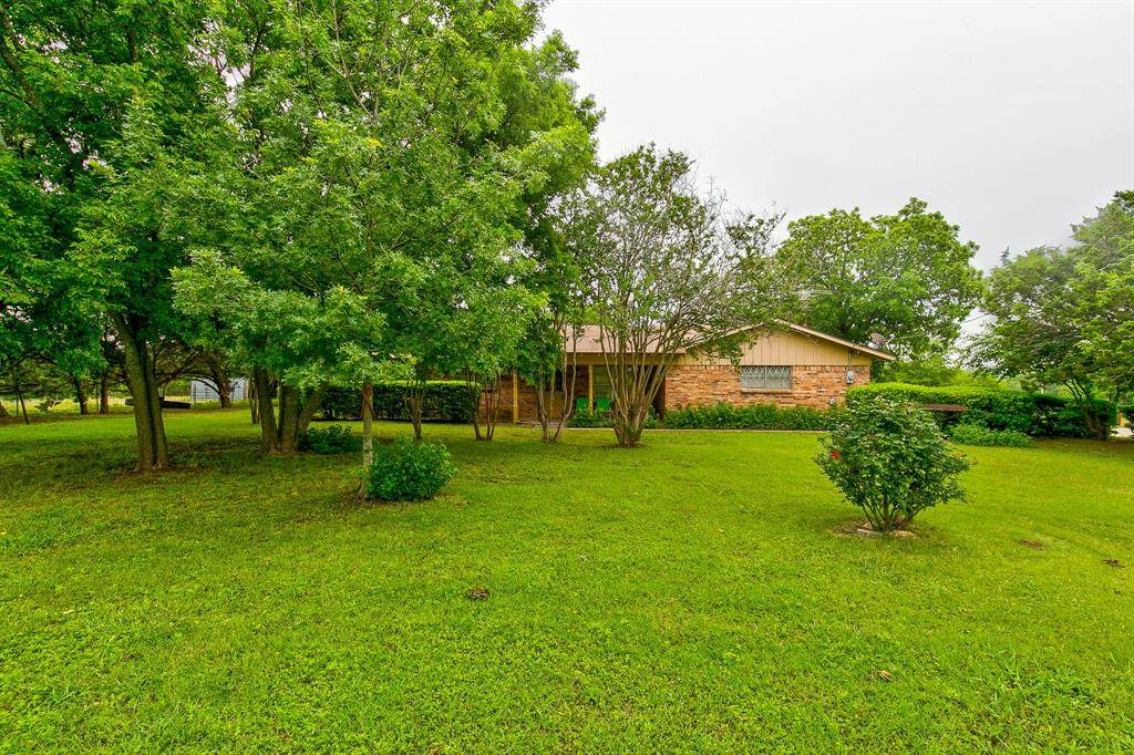 692 Hill County Road 1123 - Photo 1
