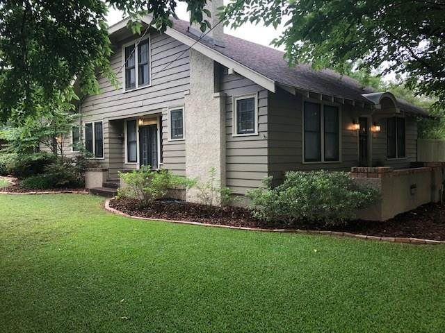 1001 S Locust Street, Clarksville, TX 75426 (MLS #14376325) :: The Mauelshagen Group