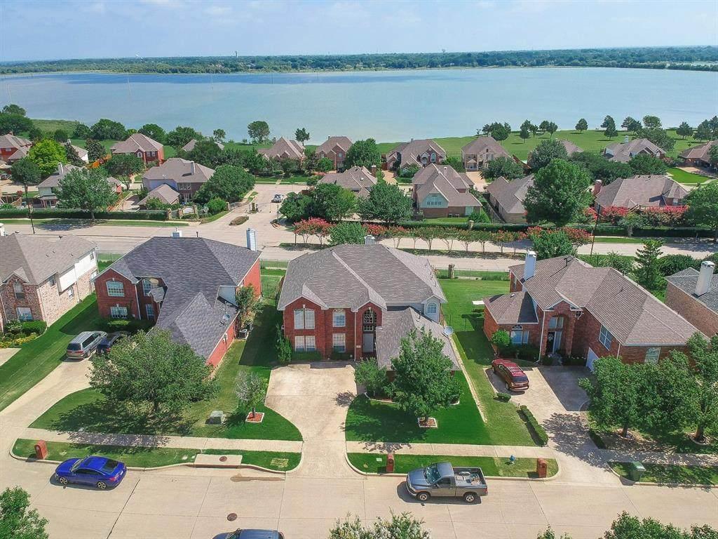 1709 Lake Bluff Drive - Photo 1