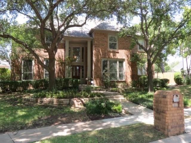 200 Pistachio Circle, Irving, TX 75063 (MLS #14409100) :: The Heyl Group at Keller Williams
