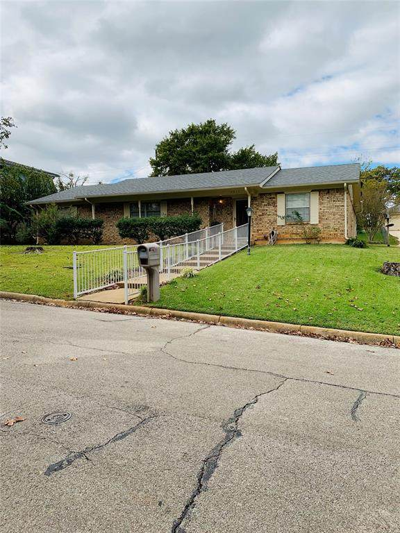 3015 Frances Drive, Denison, TX 75020 (MLS #14461773) :: The Kimberly Davis Group