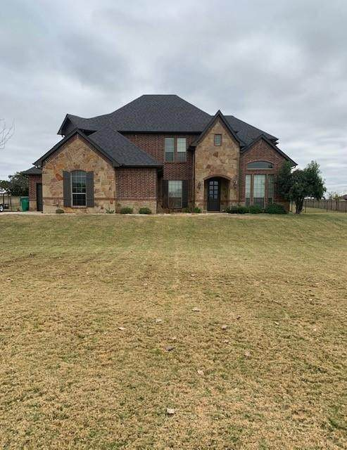 1617 Crow Creek Drive, Granbury, TX 76049 (MLS #14474490) :: The Mauelshagen Group