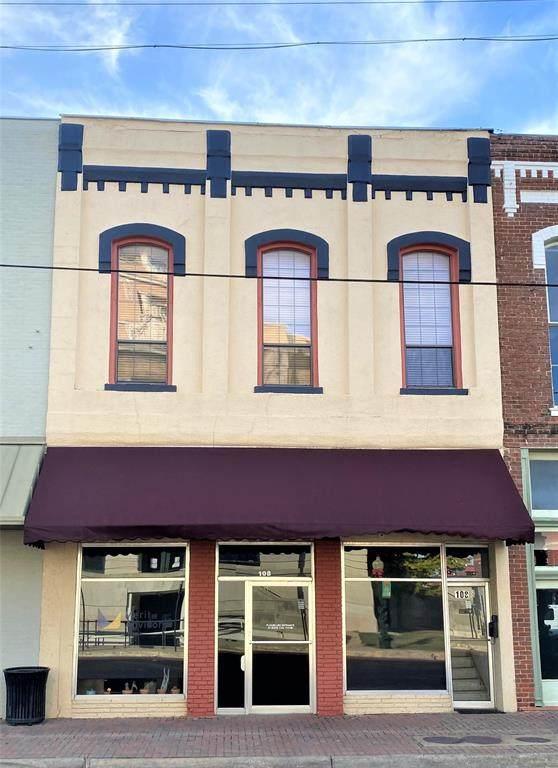 108 W Main Street, Gainesville, TX 76240 (MLS #14477456) :: Trinity Premier Properties