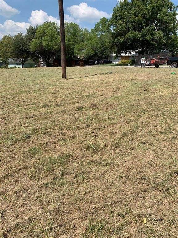 225 Brookhaven Terrace, Commerce, TX 75428 (MLS #14483987) :: Lisa Birdsong Group | Compass