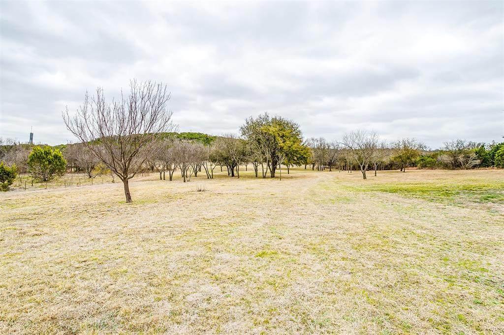 1084 Farm Road 2481 - Photo 1