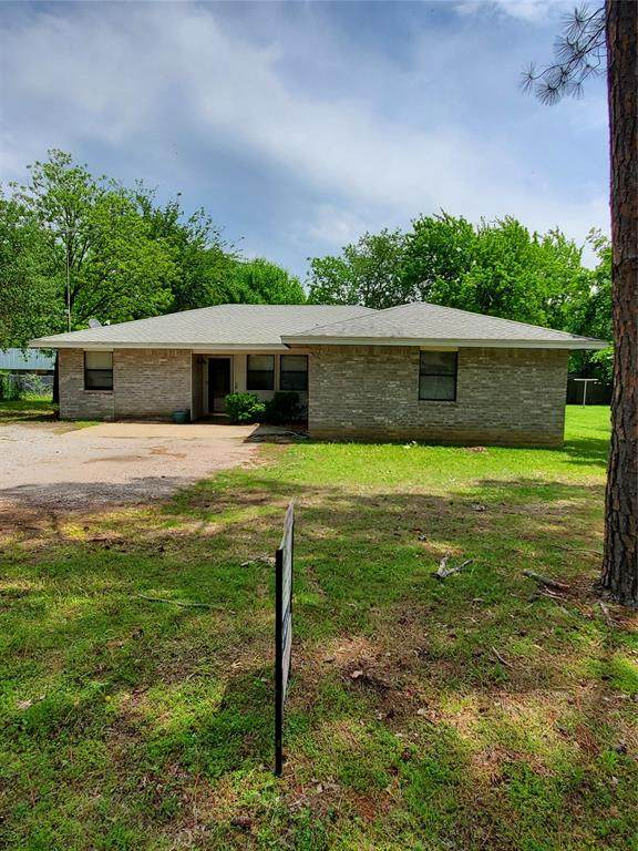 303 N Florence Street, Tioga, TX 76271 (MLS #14546561) :: Real Estate By Design