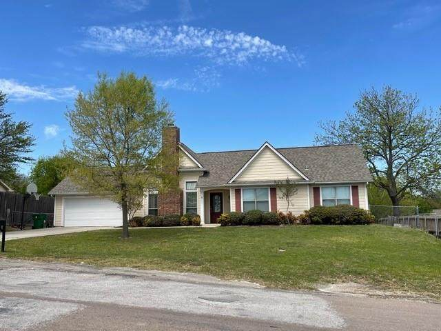 604 W Carpenter Street, Decatur, TX 76234 (MLS #14550748) :: Trinity Premier Properties