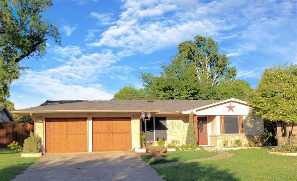 606 Cottonwood Drive - Photo 1