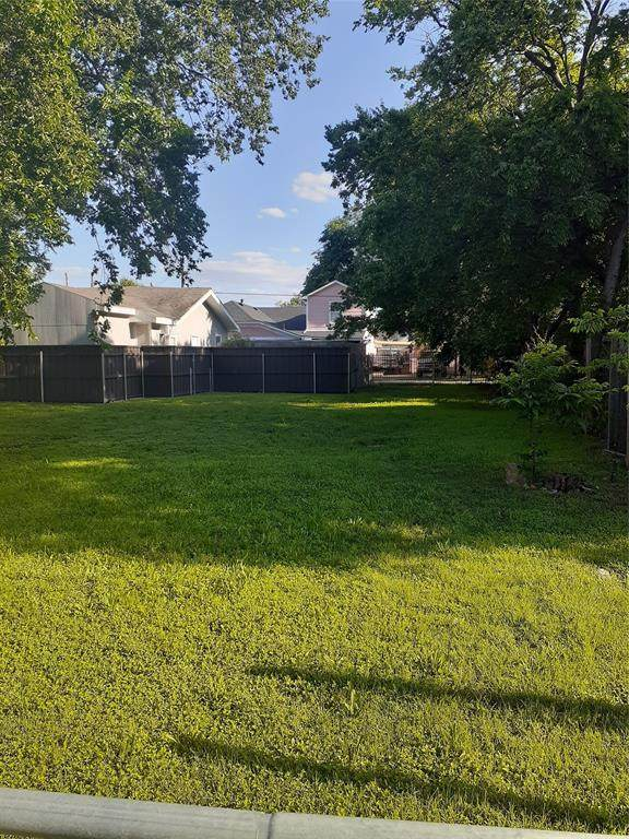 506 W 12TH Street, Dallas, TX 75208 (#14559361) :: Homes By Lainie Real Estate Group