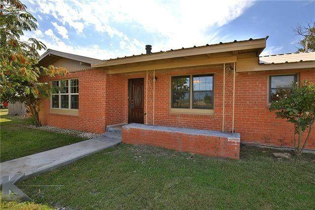360 S 12th Street, Hawley, TX 79525 (MLS #14575110) :: The Rhodes Team
