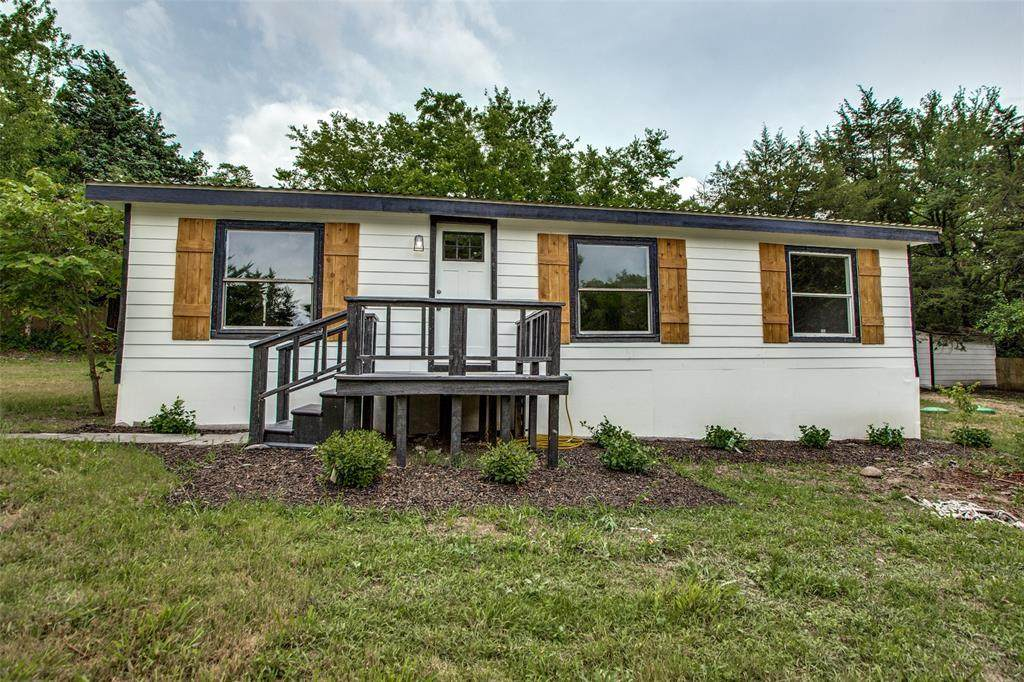 152 Pennell Road - Photo 1