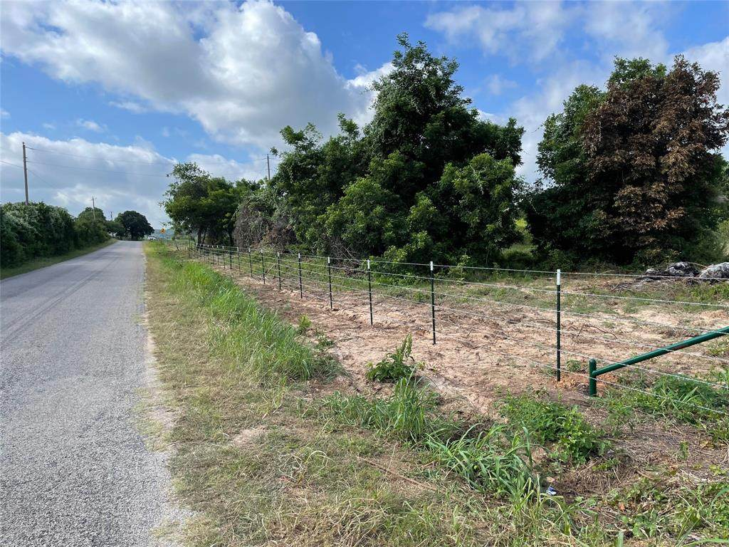 1271 County Road 1004 - Photo 1