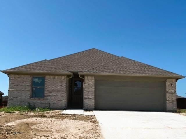 4 Grouse Run, Sanger, TX 76266 (MLS #14609705) :: The Property Guys
