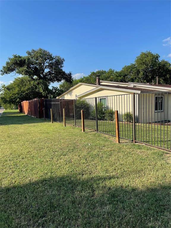 4601 Burton Avenue, Fort Worth, TX 76105 (MLS #14610390) :: Real Estate By Design