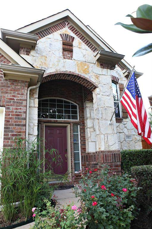 1901 Fountain Meadows Drive, Euless, TX 76039 (MLS #14620141) :: The Chad Smith Team
