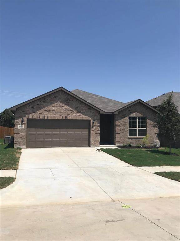 2008 Gill Star Drive, Fort Worth, TX 76052 (MLS #14628769) :: Real Estate By Design