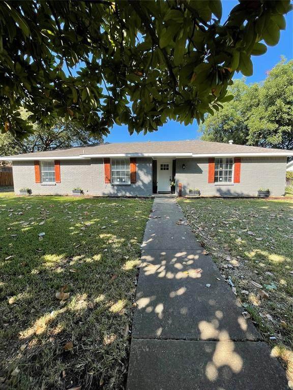 3823 Oak Arbor Drive, Dallas, TX 75233 (MLS #14645501) :: Real Estate By Design