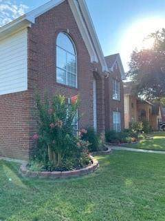 2106 Pinwood Circle, Arlington, TX 76001 (MLS #14669049) :: RE/MAX Pinnacle Group REALTORS