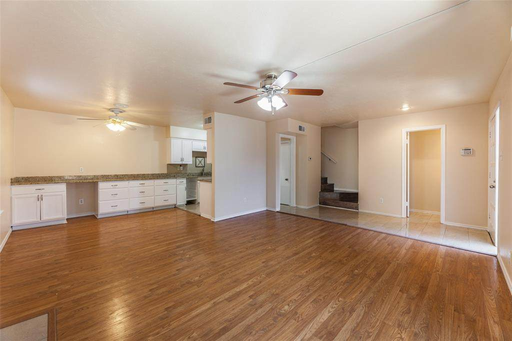 2634 Custer Parkway - Photo 1
