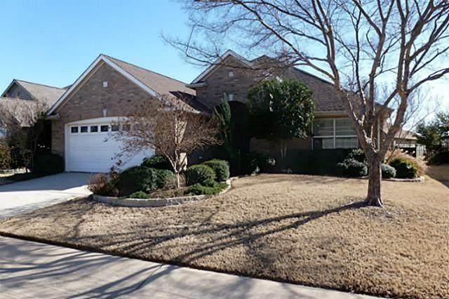 9509 Pinewood Drive, Denton, TX 76207 (MLS #14686159) :: Real Estate By Design