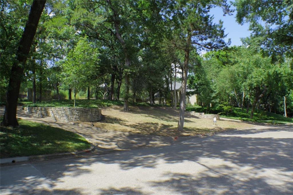 717 Kessler Lake Drive - Photo 1