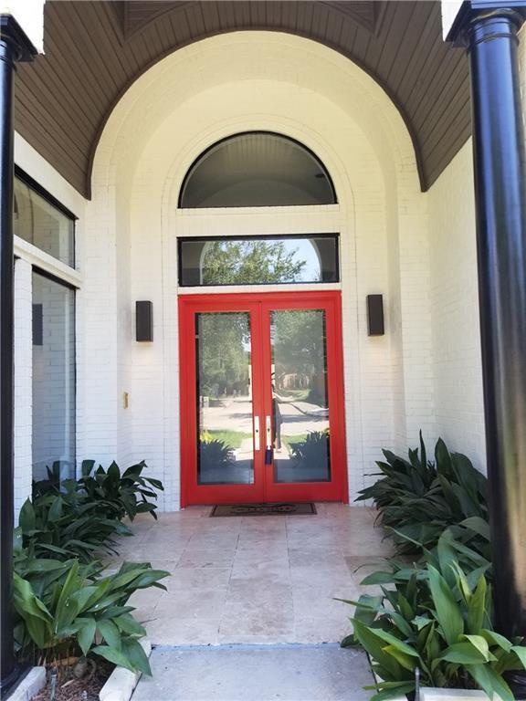 4439 Shadow Glen Drive, Dallas, TX 75287 (MLS #13903882) :: The Real Estate Station