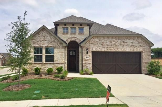4832 Timber Trail, Carrollton, TX 75010 (MLS #13966158) :: Baldree Home Team