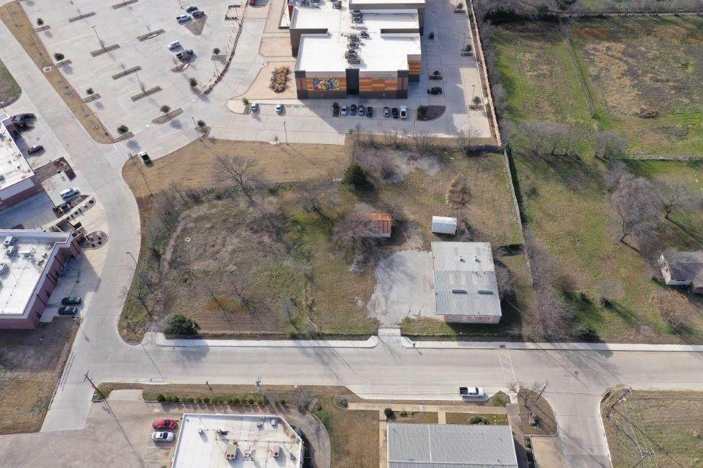 704 Dallas Drive - Photo 1