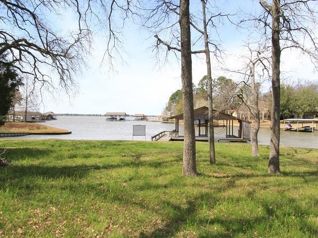 101 Westwood Circle, Enchanted Oaks, TX 75156 (MLS #14039067) :: Kimberly Davis & Associates