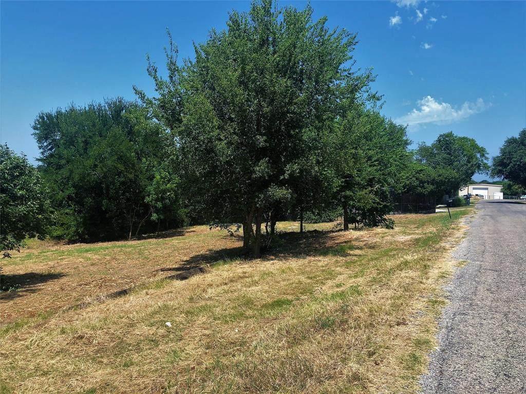 572 Quail Creek Circle - Photo 1