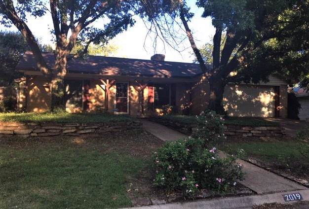 2019 Malone Street, Denton, TX 76201 (MLS #14166253) :: The Real Estate Station