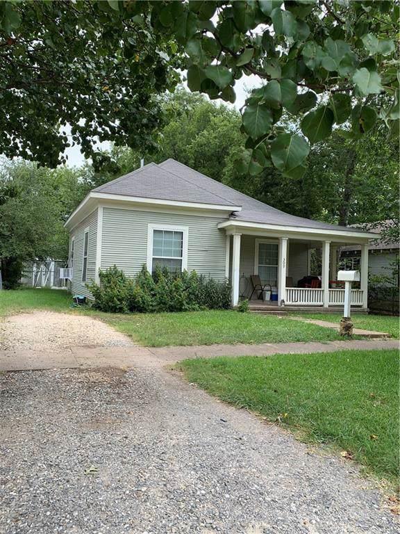 309 N Cleveland Avenue, Sherman, TX 75090 (MLS #14168531) :: Kimberly Davis & Associates