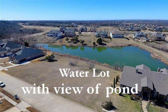 423 Golden Pond Drive, Cedar Hill, TX 75104 (MLS #14519120) :: Maegan Brest | Keller Williams Realty