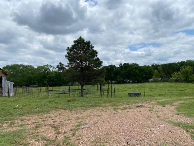 324 County Road 317 Road, Comanche, TX 76442 (MLS #14583346) :: Craig Properties Group
