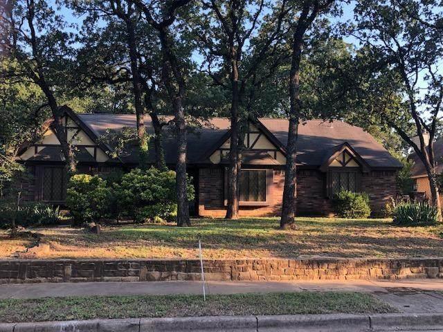 1312 Donna Lane, Bedford, TX 76022 (MLS #14603832) :: Front Real Estate Co.