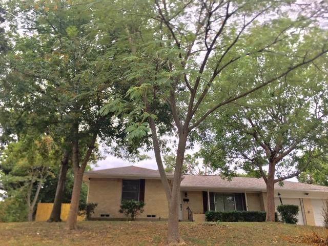 7238 Eccles Drive, Dallas, TX 75227 (MLS #14140198) :: Lynn Wilson with Keller Williams DFW/Southlake